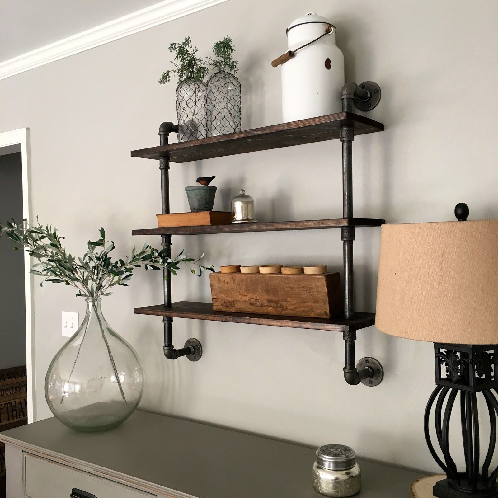 How to Choose the Best Shelving Structures